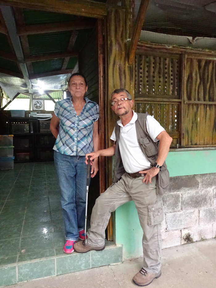 Minor Camacho and Fanny Fuentes, the staff of two of the Serpentario Viborana in Pavones.
