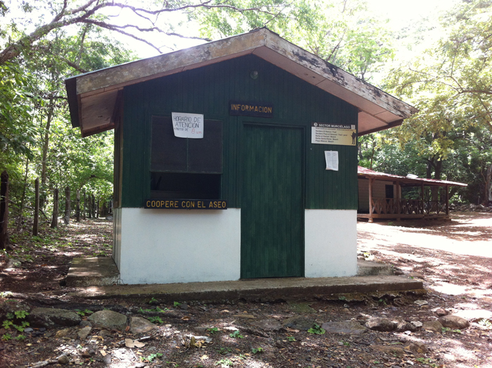 Empty guard shack at the Murciélagos entrance.