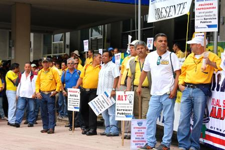 Public workers protest Nov. 11