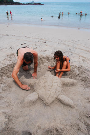 Manuel Antonio sand sculpting