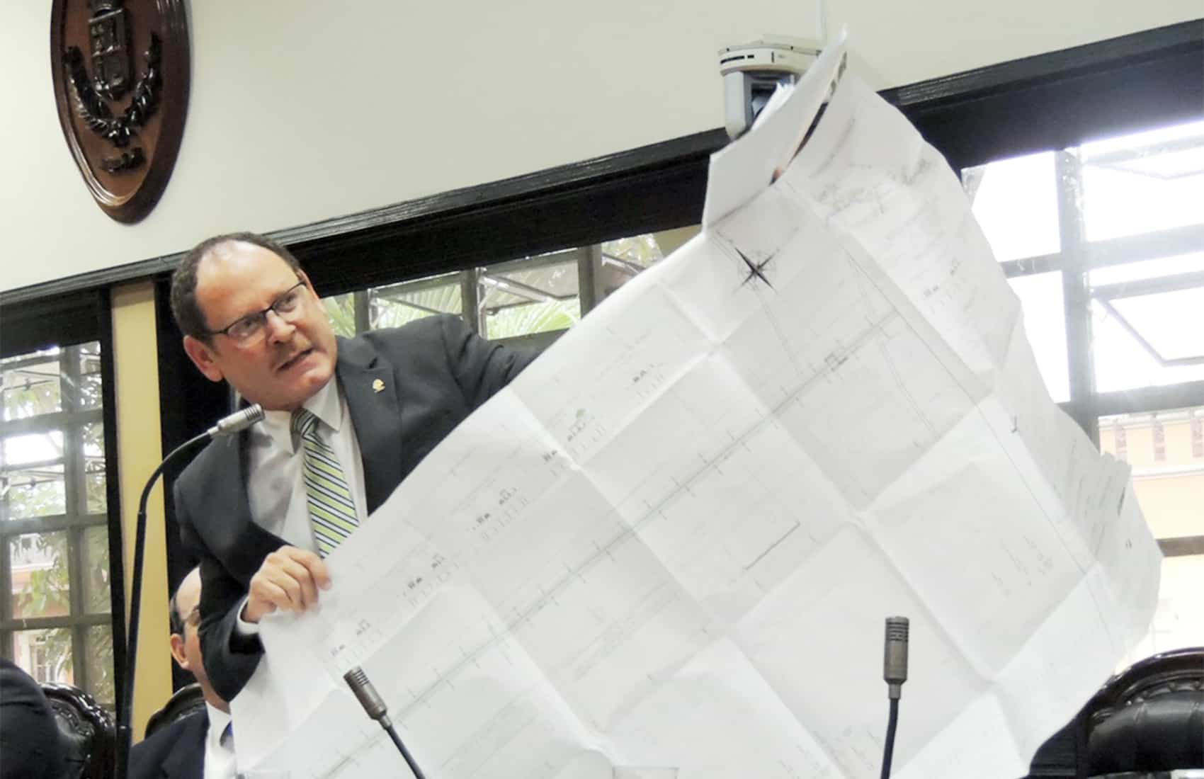 PLN lawmaker Danny Hayling Carcache