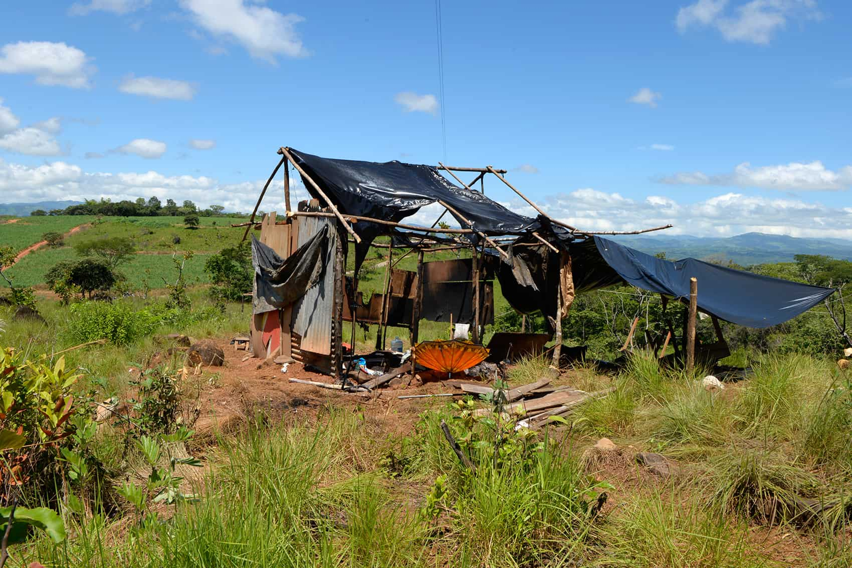 A burned home in Salitre, on Bribrí indigenous land.