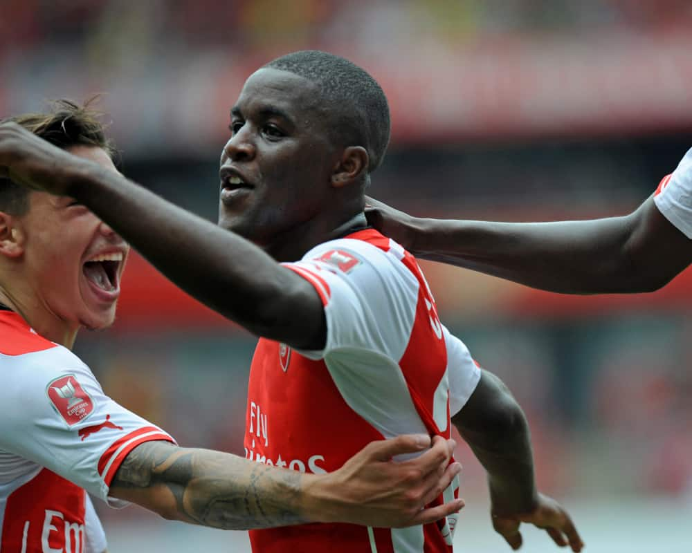 Joel Campbell scores his first goal for Arsenal in 5-1 ... Joel Campbell Dive