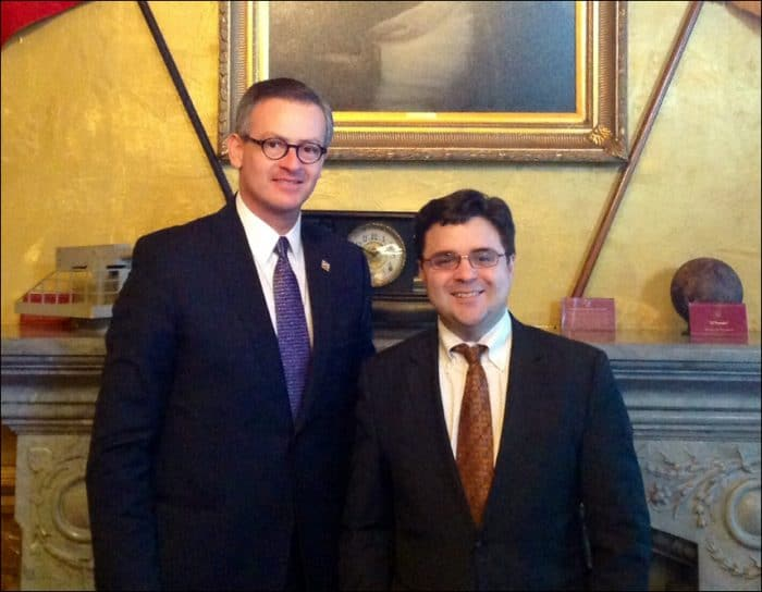 Costa Rican Foreign Minister Manuel González meets with Ricardo Zuñiga, special assistant to President Obama.