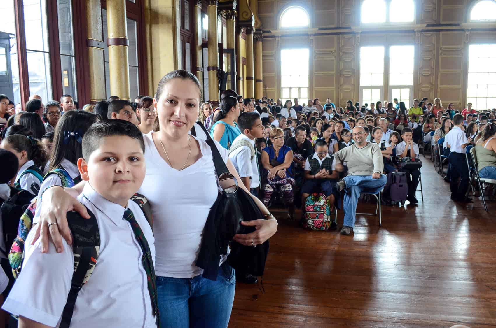 students in San José