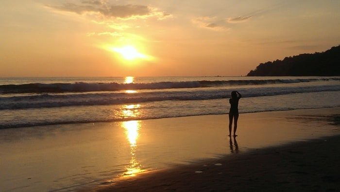 sunset manuel antonio beach