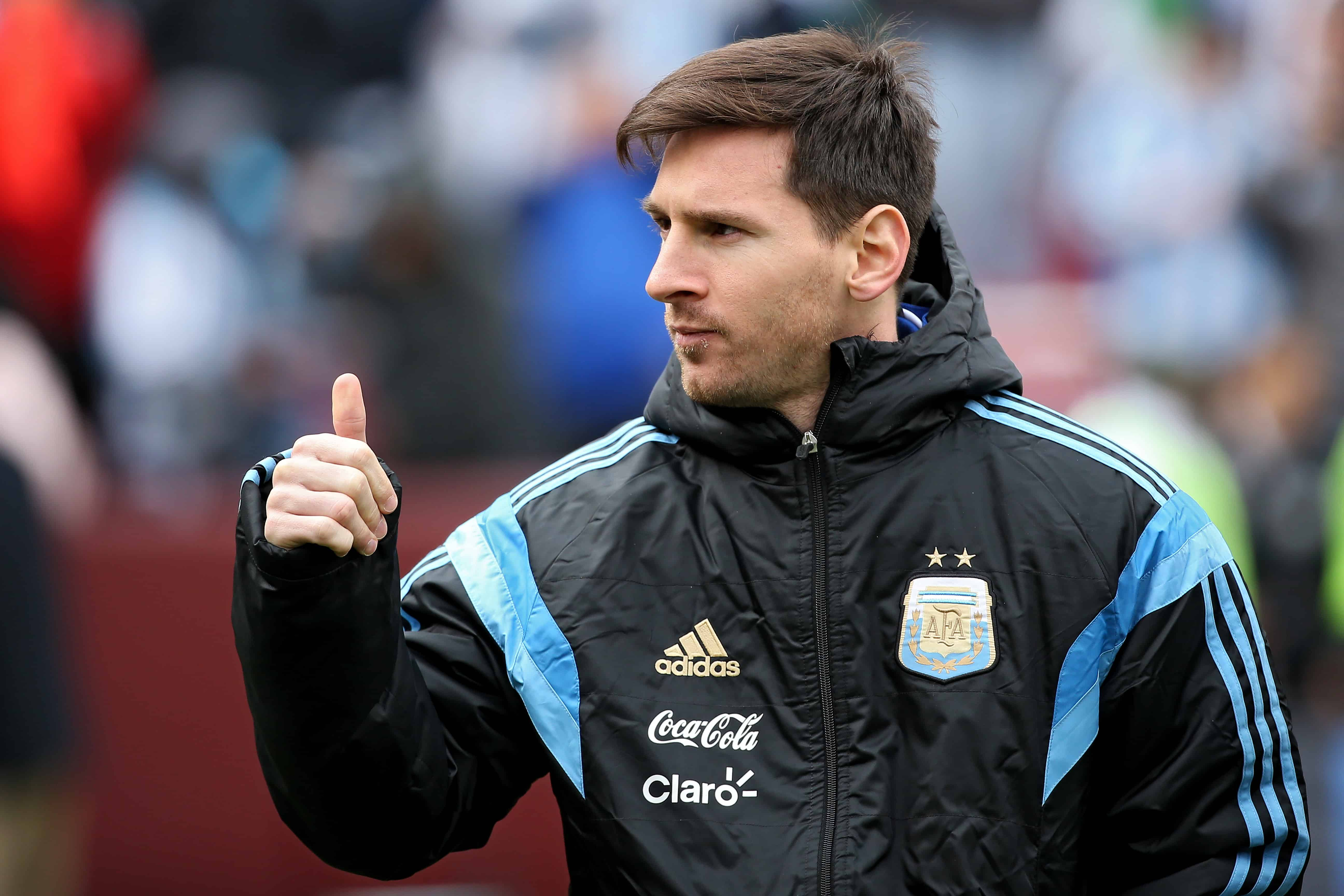 Argentina's Lionel Messi acknowledges the crowd before his team plays El Salvador during an International Friendly at FedExField on March 28, 2015 in Landover, Maryland.