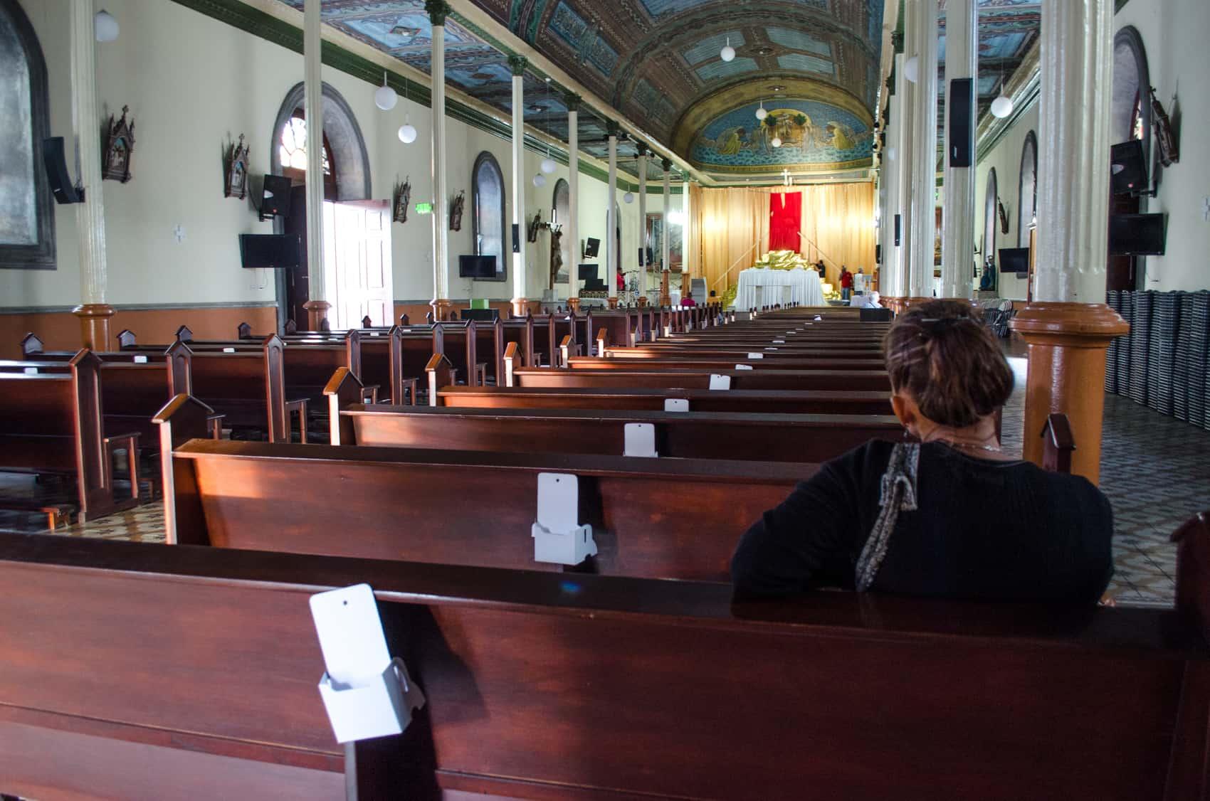 The nave of the Catholic Church in Santo Domingo de Heredia.