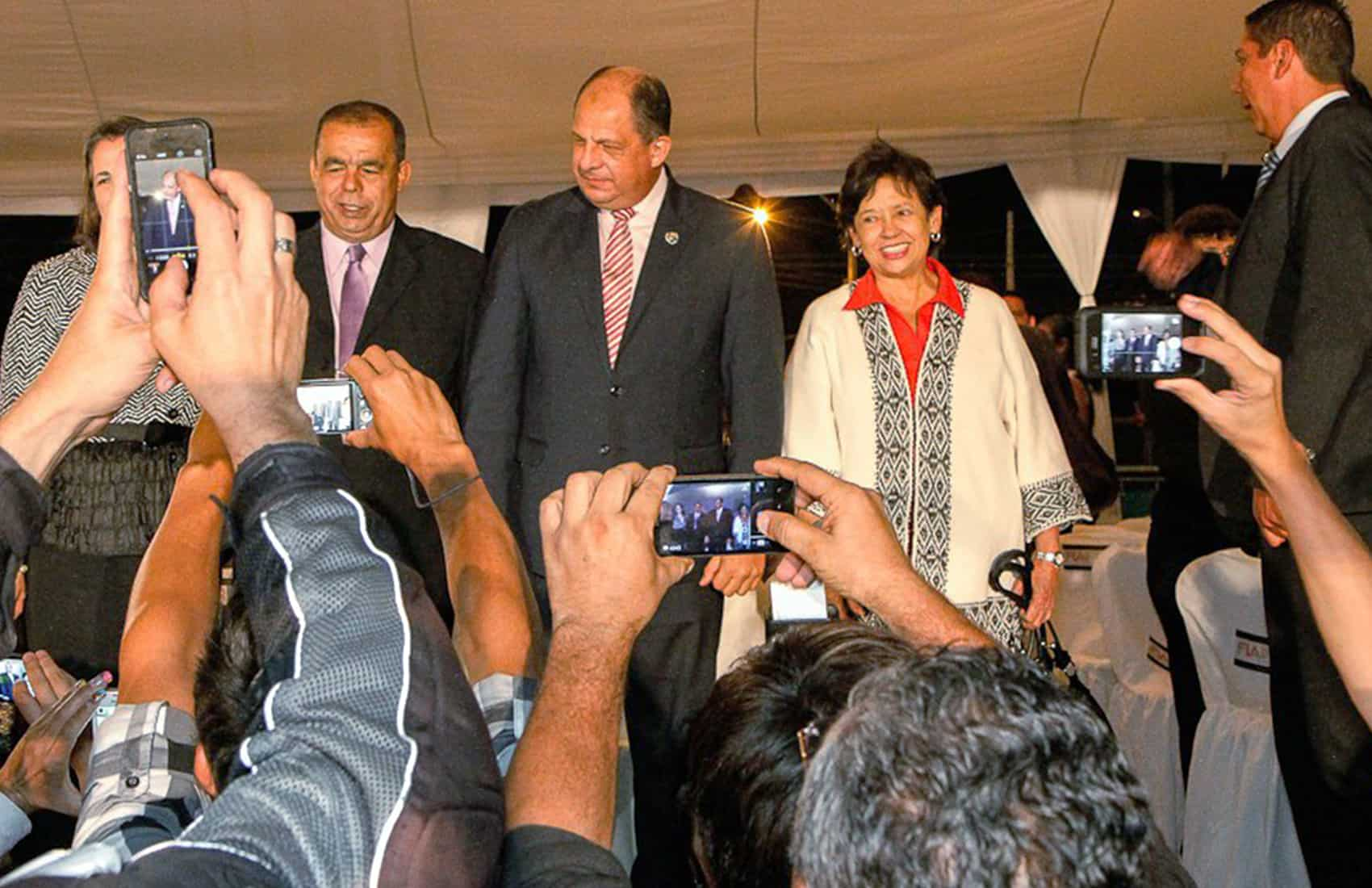 President Luis Guillermo Solís (center) and Culture Minister Elizabeth Fonseca (center right).