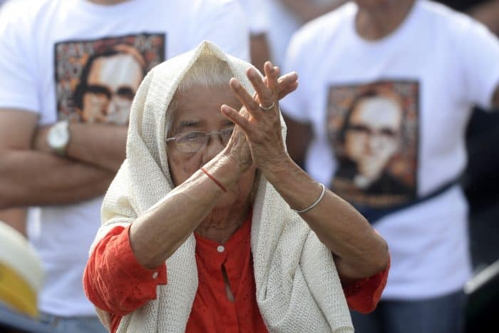 Thousands of  Catholic faithful from various nationalities participate in the ceremony celebrating the beatification of martyr Archbishop Óscar Romero at Las Americas Square in San Salvador, on May 23, 2015.