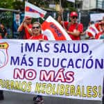 """More (investment in) health care and education, no more neoliberal governments!"" clamor members of the High School Teachers Association (APSE)."