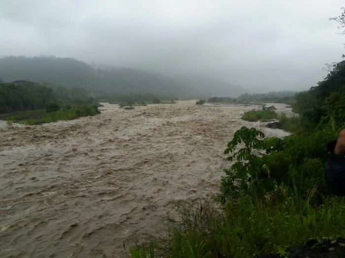 Severe rains and flooding have caused put eight Caribbean cantones into a state of emergency.