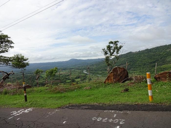 Roadside view in El Salvador.
