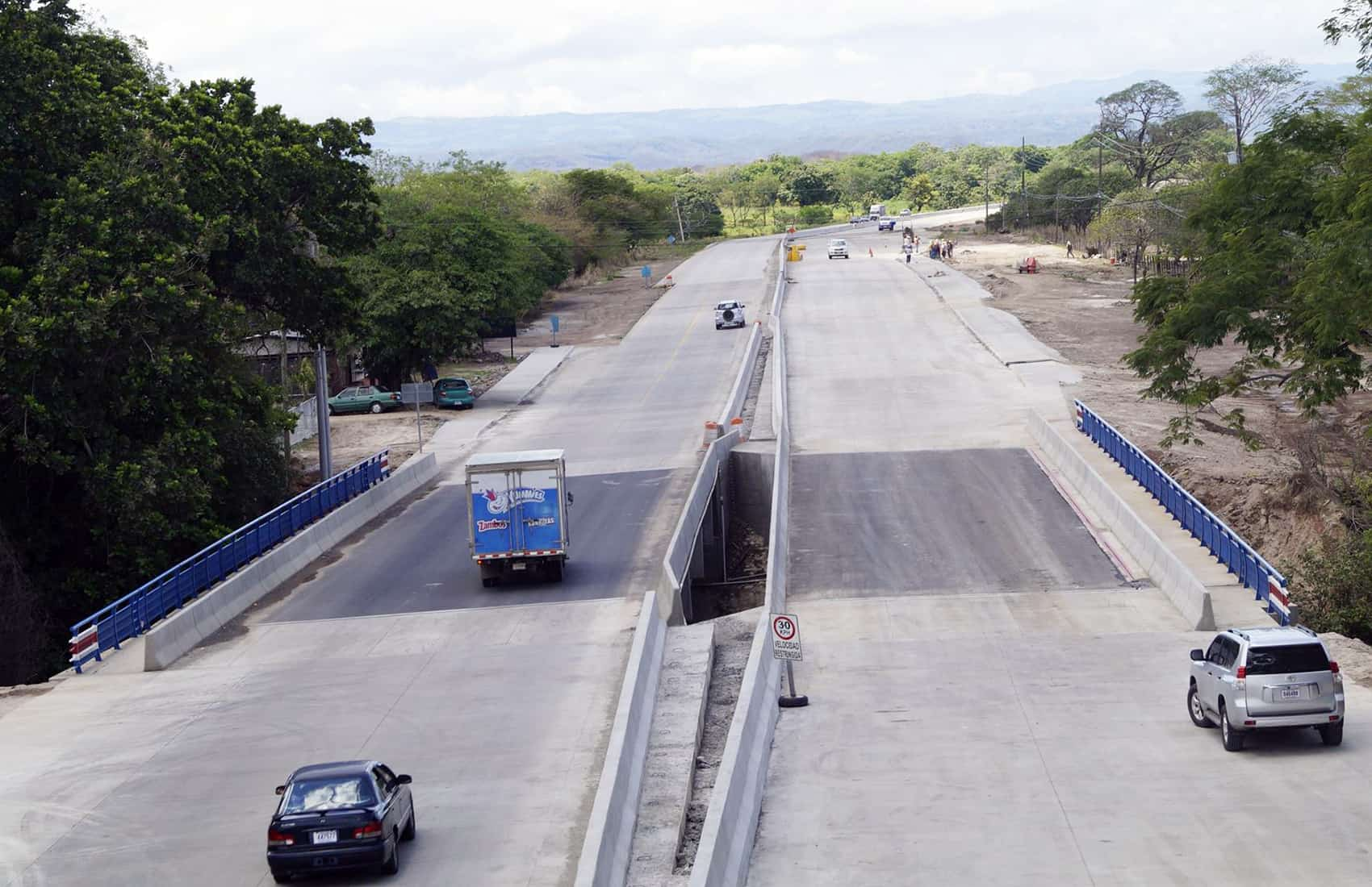 Cañas - Liberia highway, June 2015
