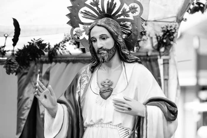 An image of the Sagrado Corazón de Jesús.