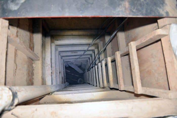 "Picture of the end of the tunnel through which Mexican drug lord Joaquín ""El Chapo"" Guzmán escaped."