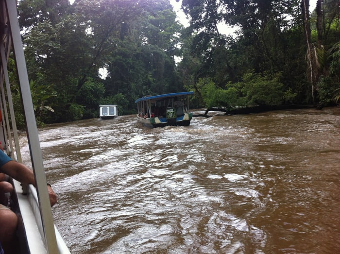 The road to Tortuguero.