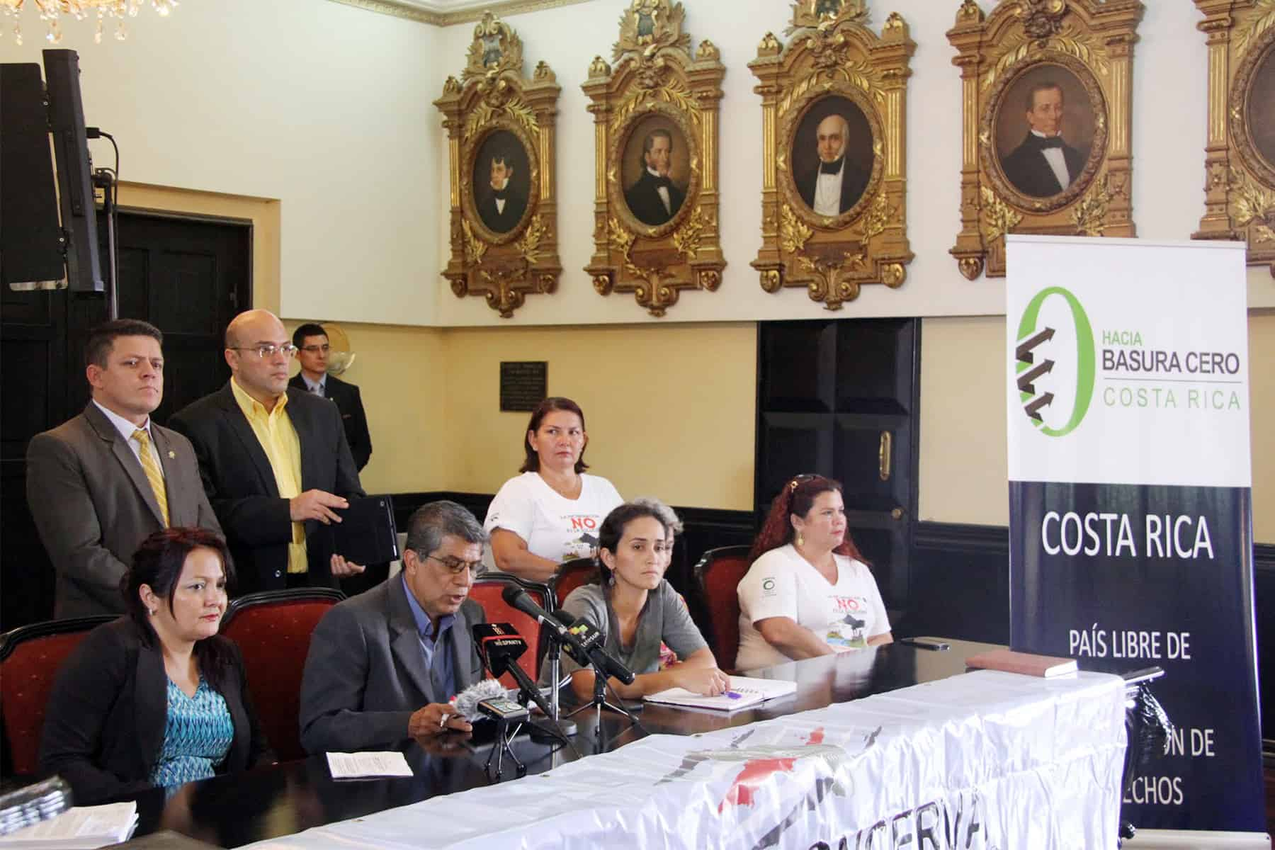 Groups opposing gasification in Costa Rica, Aug. 4 2015