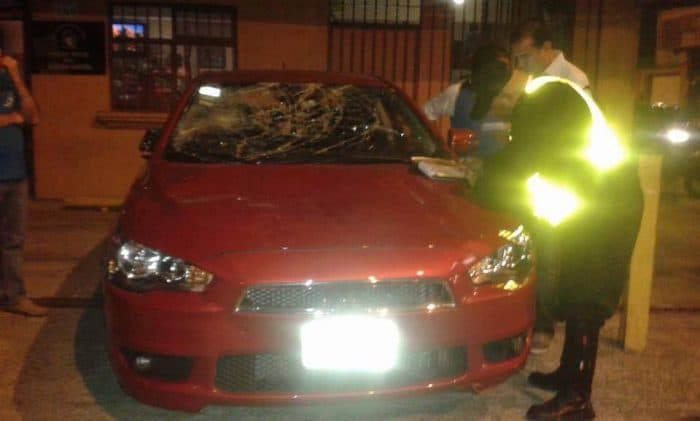 A photo of a Mitsubishi Lancer that was damaged by vandals on the evening of Aug. 21 in Costa Rica, reportedly because the driver was working with the ride-hailing service Uber.