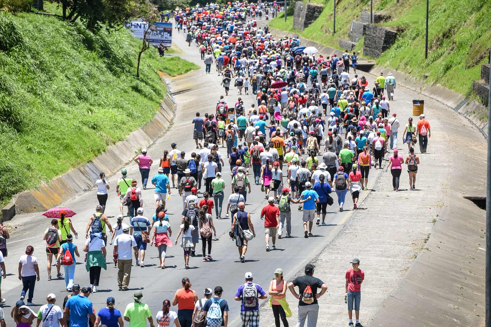 The masses descend on Cartago for the annual pilgrimage to the Basílica de los Ángeles on August 1, 2015.