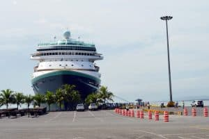 Cruise ship at Limón dock.
