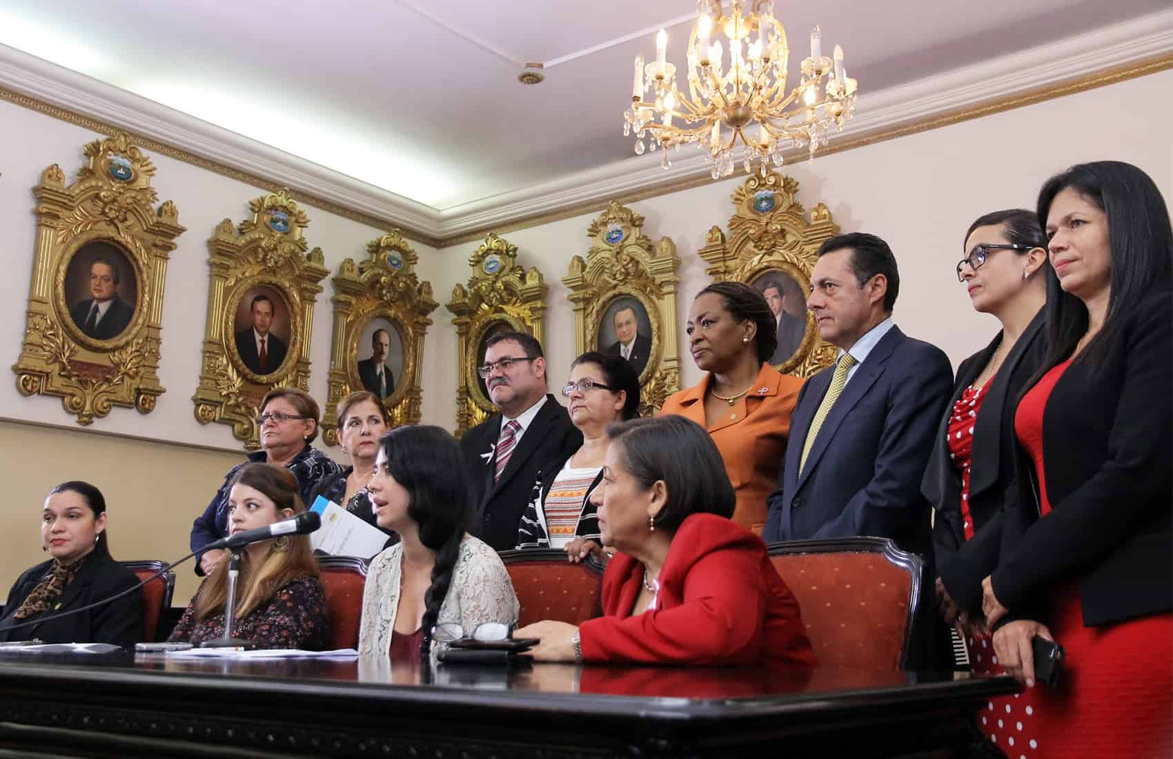 Presentation of bill to criminalize street sexual harassment. Oct. 13, 2015