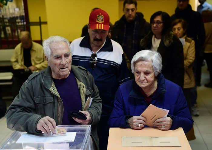 Spain elections: Voters