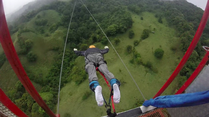 Bungee-jumping at Monteverde.