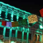 The Melico Salazar Theater and the Avenida Segunda in San José were illuminated December 03