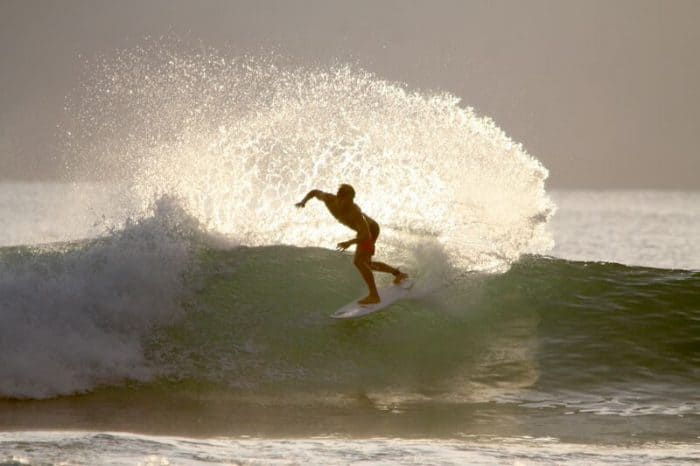 Pavones wave