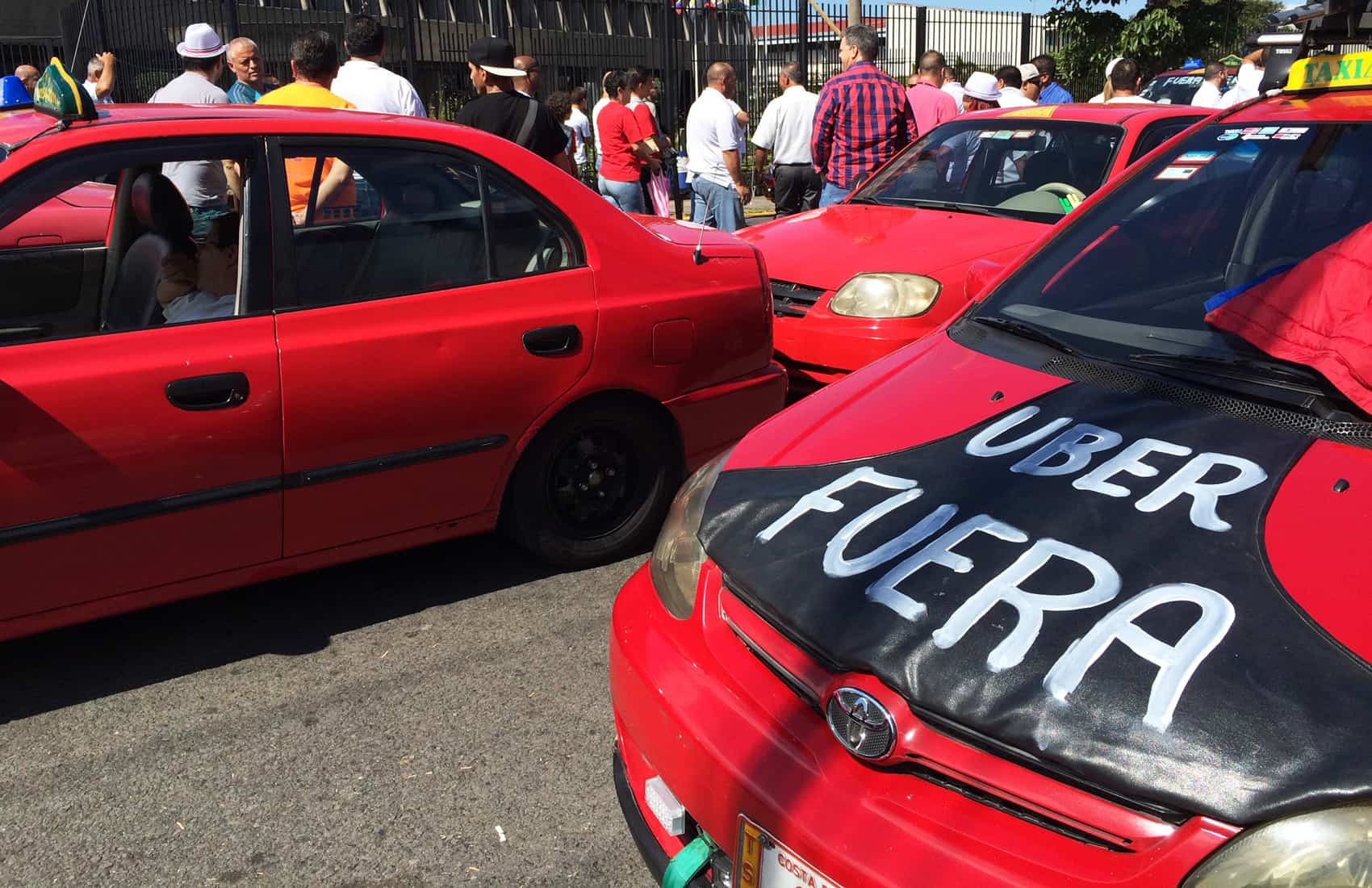 Taxis protest Uber