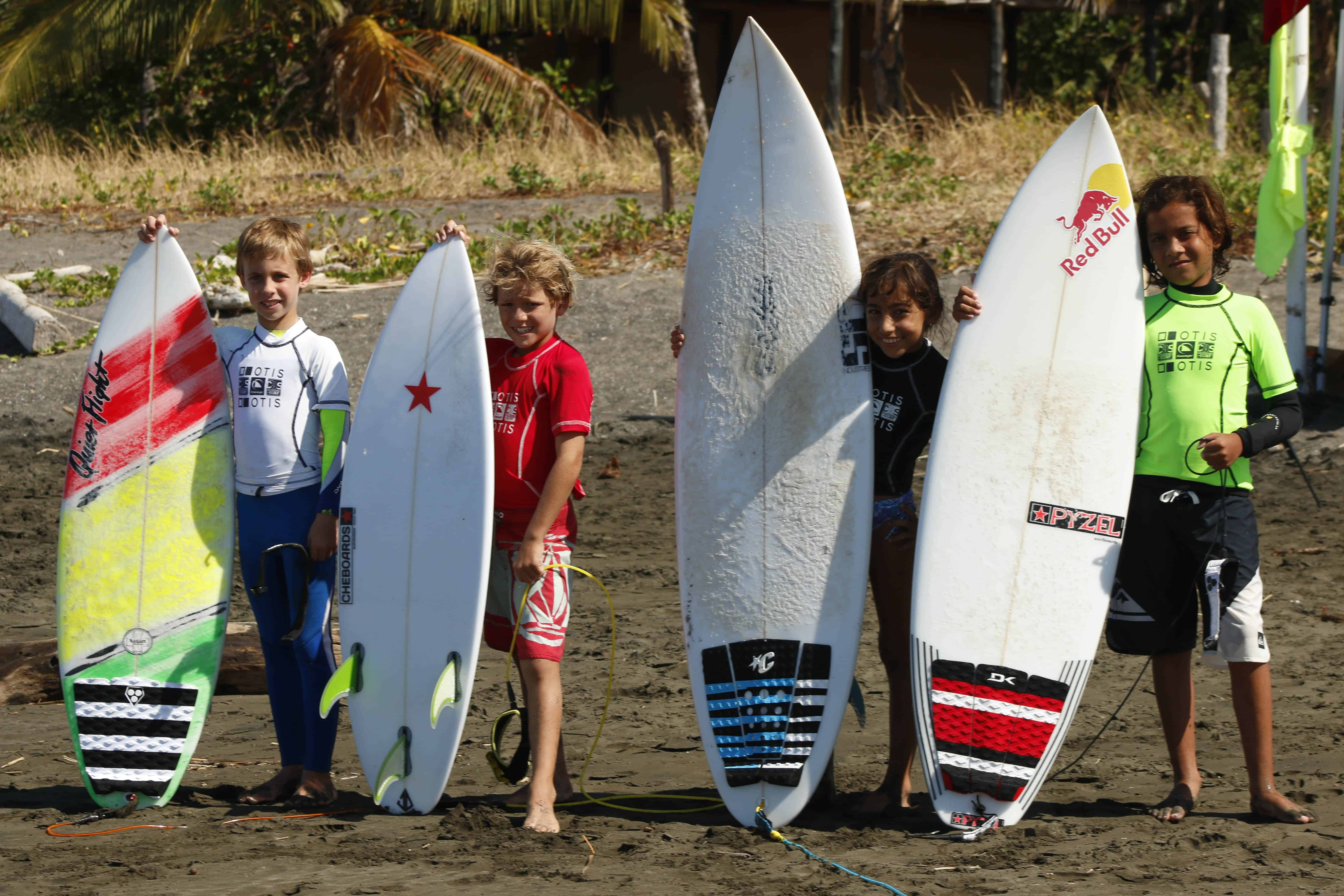 """""""Dolphins"""": Circuito Guanacasteco de Surf, in Marbella, Guanacaste"""