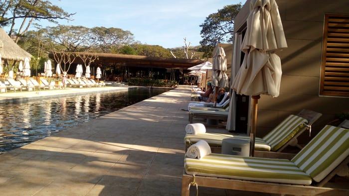 El Mangroove swimming pool.