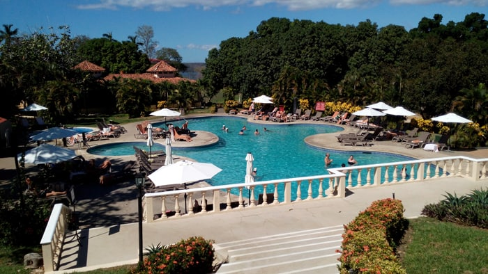 Swimming pool at the adults-only all-inclusive Occidental Grand Papagayo on Playa Panamá.