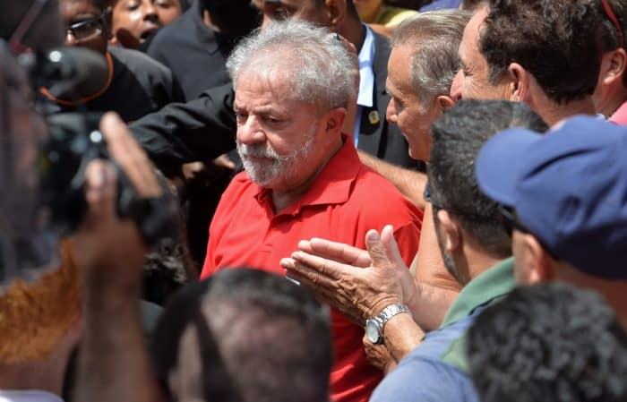 Lula vows to battle his opponents in the streets.