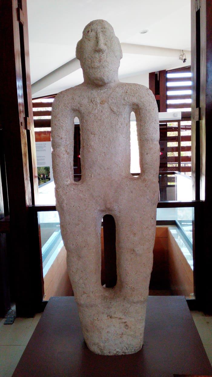 Diquís Delta statue.