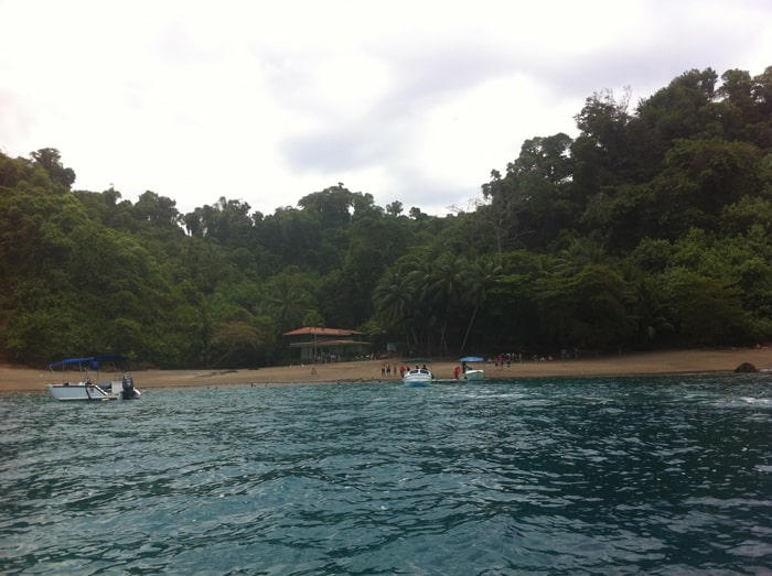 Approaching beach and ranger station at Isla del Caño.