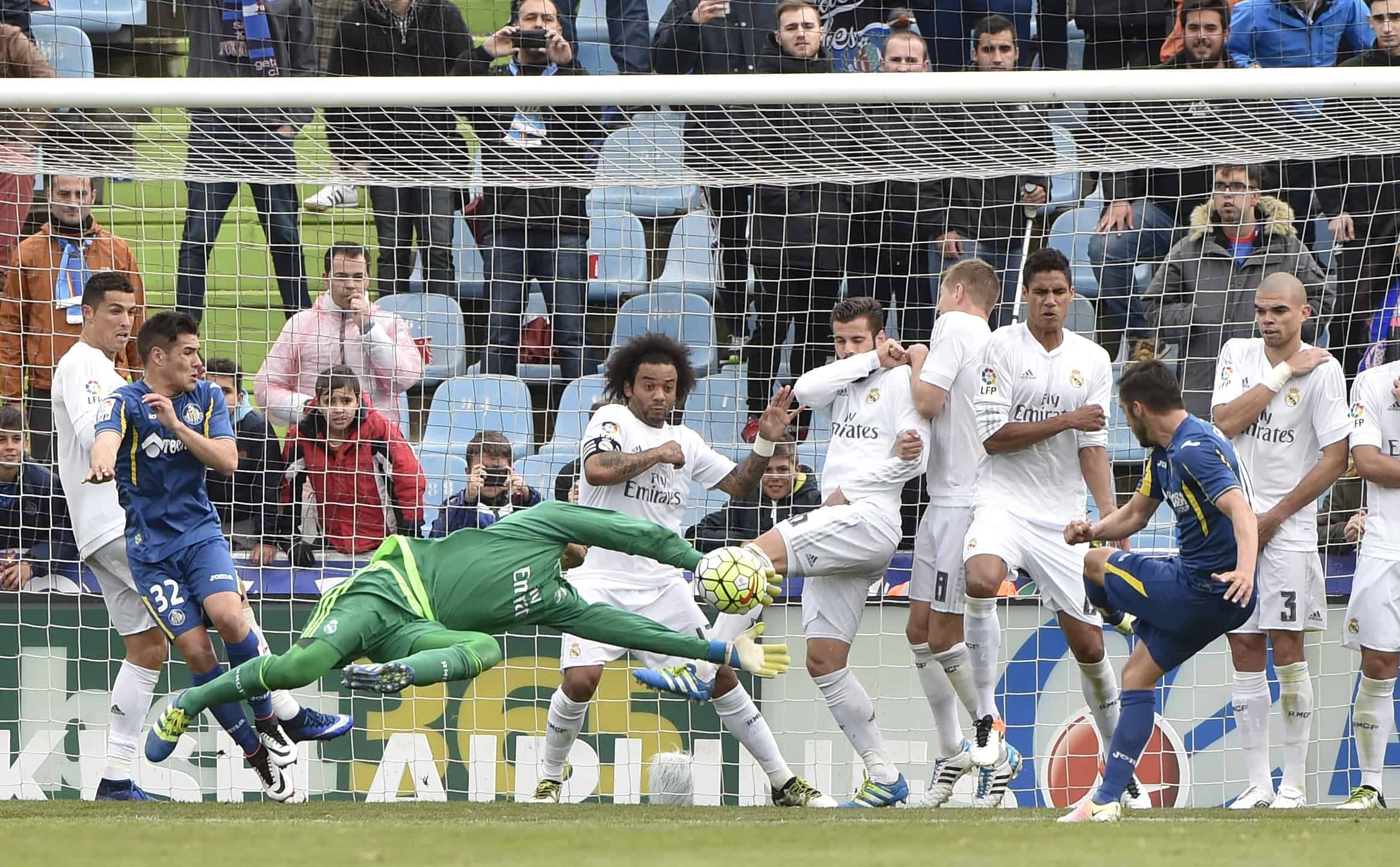 Keylor Navas incredible save Getafe