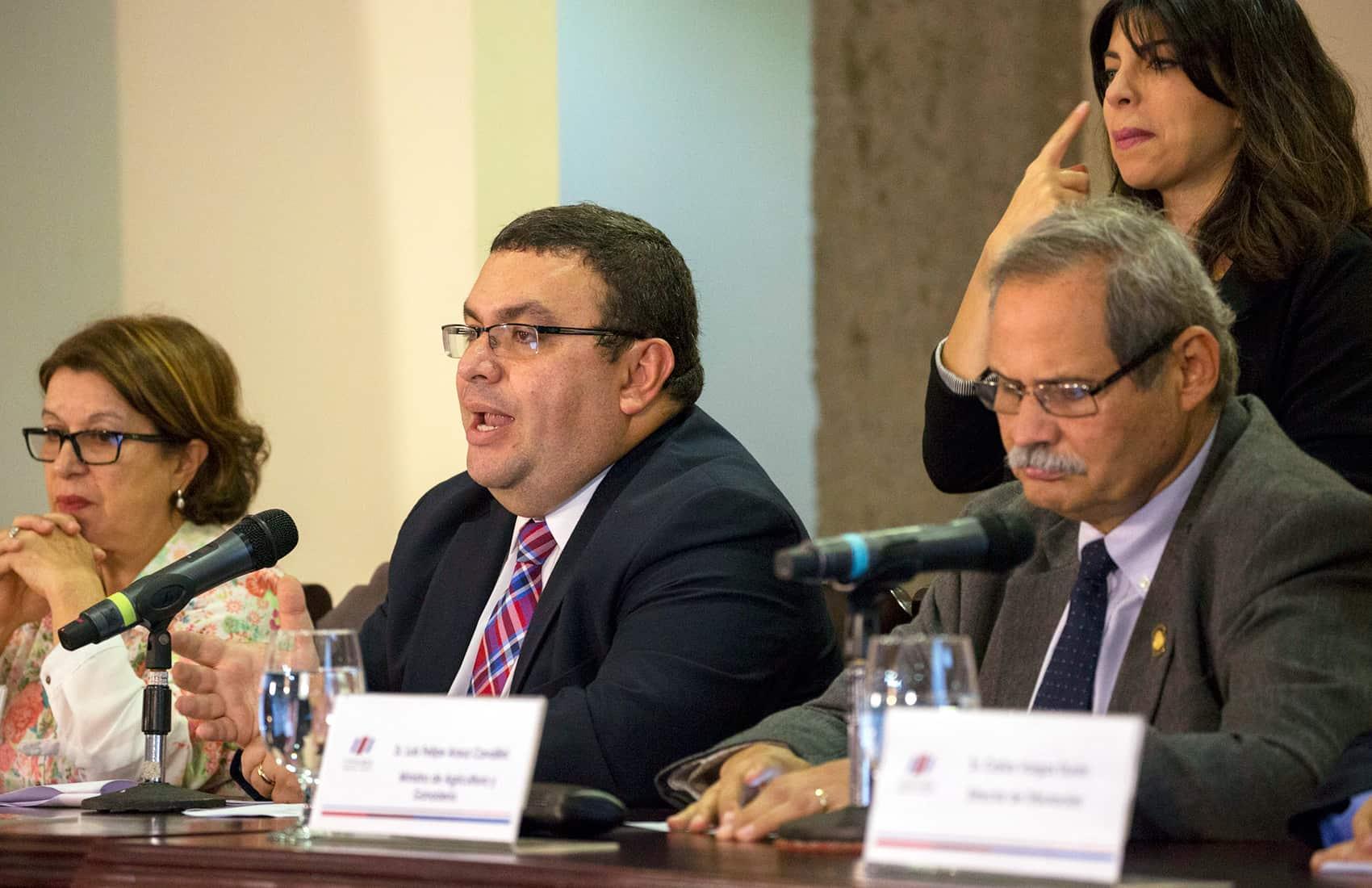 Finance Vice Minister Fernando Rodríguez
