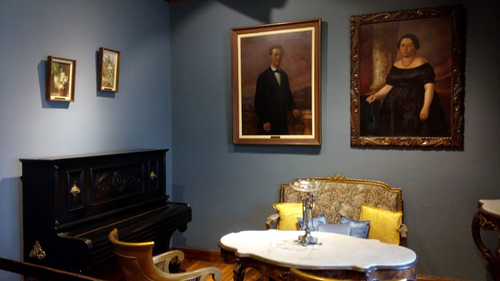 Living room of a commander at Bellavista Fortress.