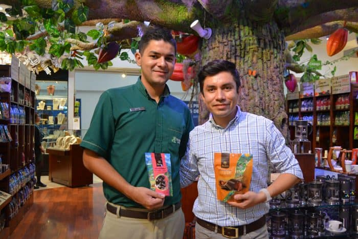 Sales associate José Vargas and Javier Villarroel, image manager for Britt Shops.