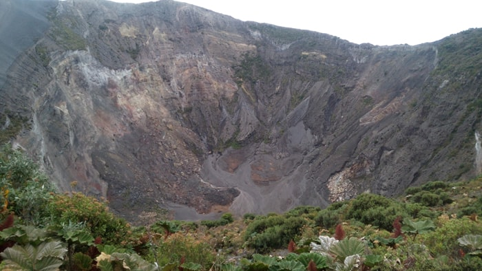 Main crater of Irazú Volcano today.