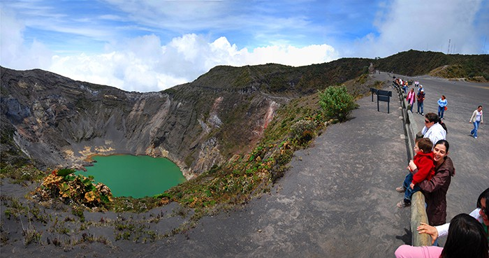 A photo of Irazú taken in December 2012, with crater lake.