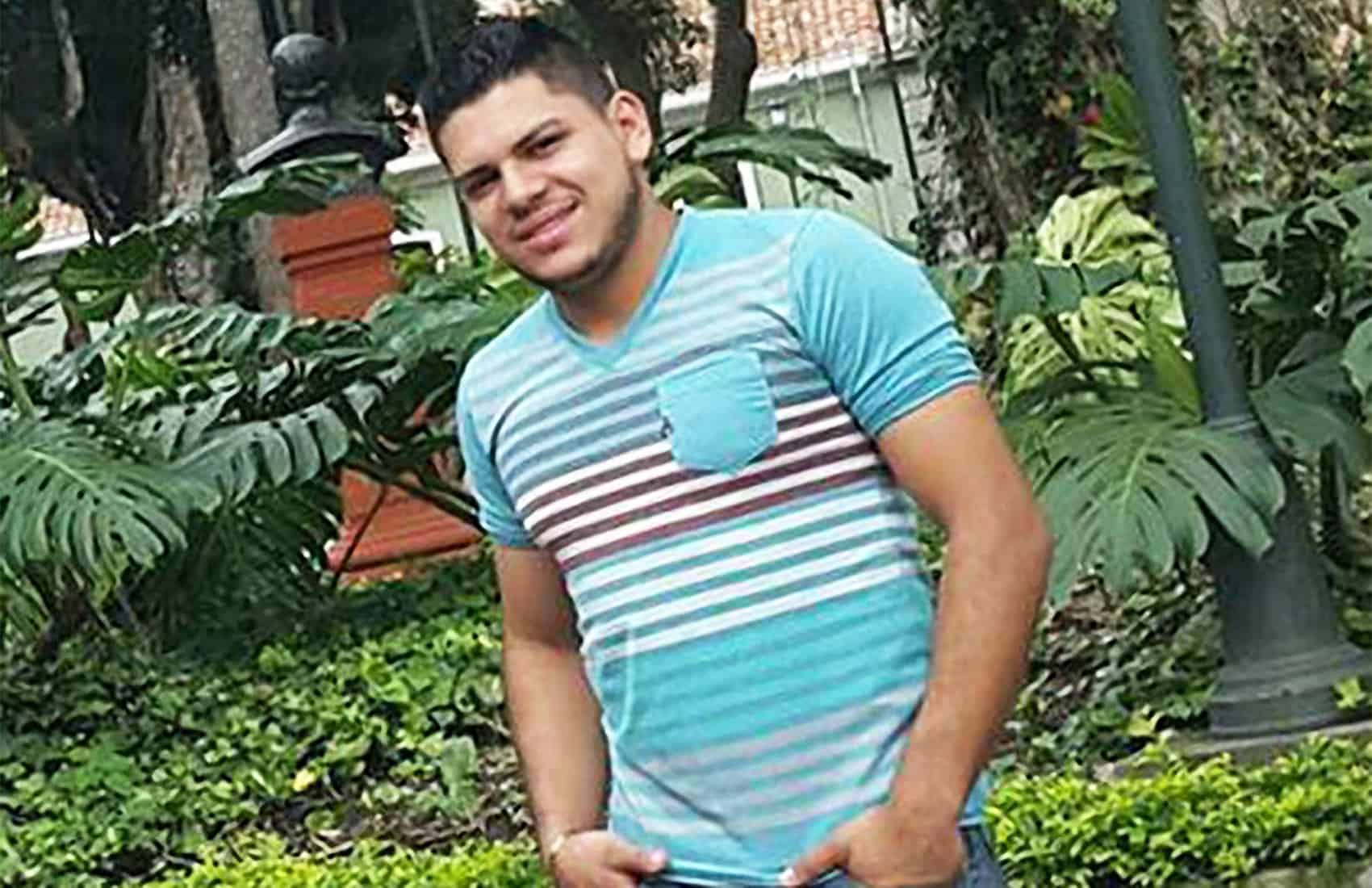 Gerardo Cruz. Oct. 19, 2016