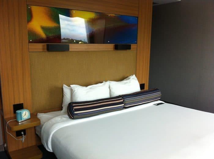 A room at the Aloft.
