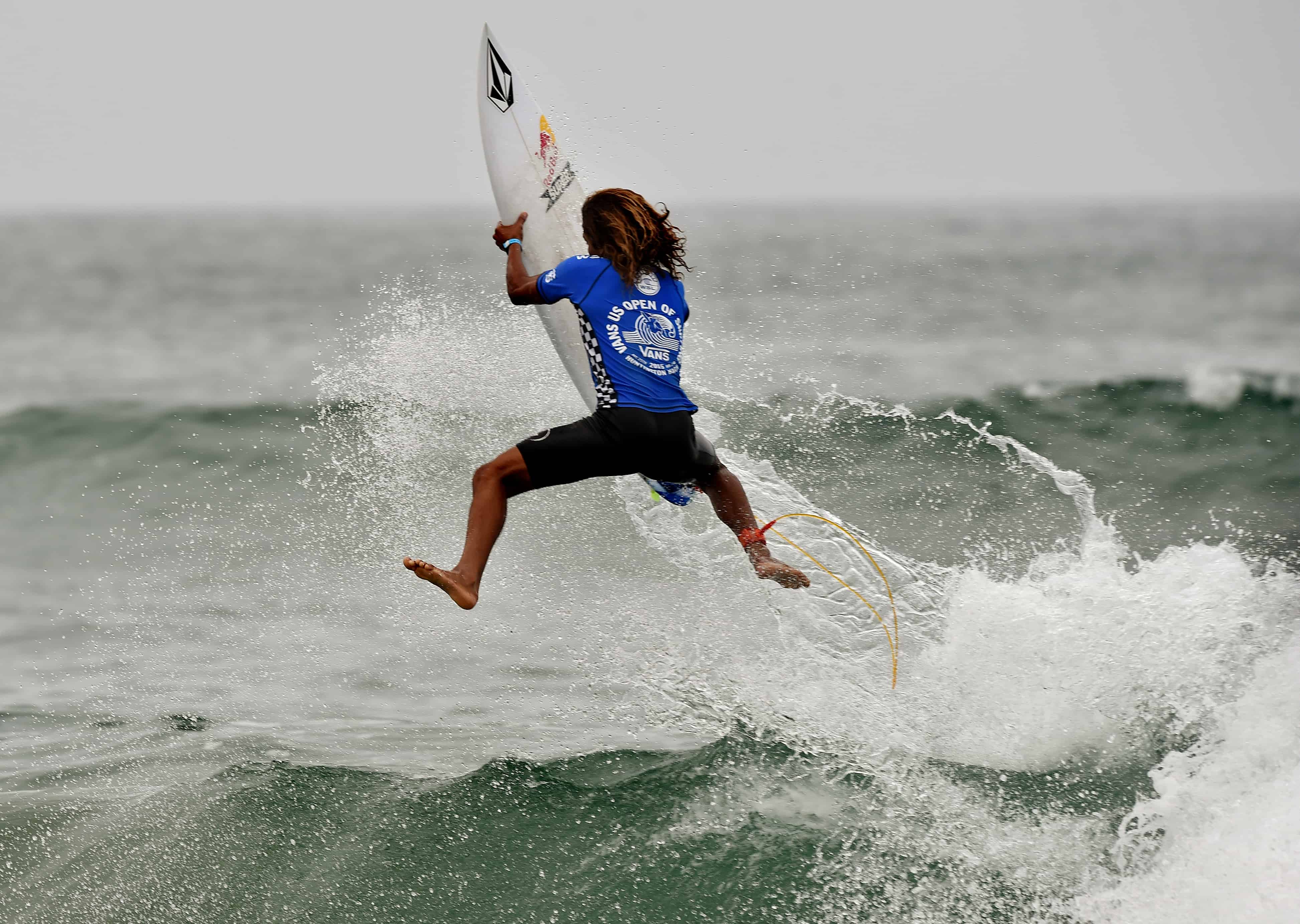 "Carlos Munoz World Surf League. Carlos ""Cali"" Muñoz will be on his home wave of Esterillos Este as Costa Rica plays host this week to its first World Surf League event in 14 years."
