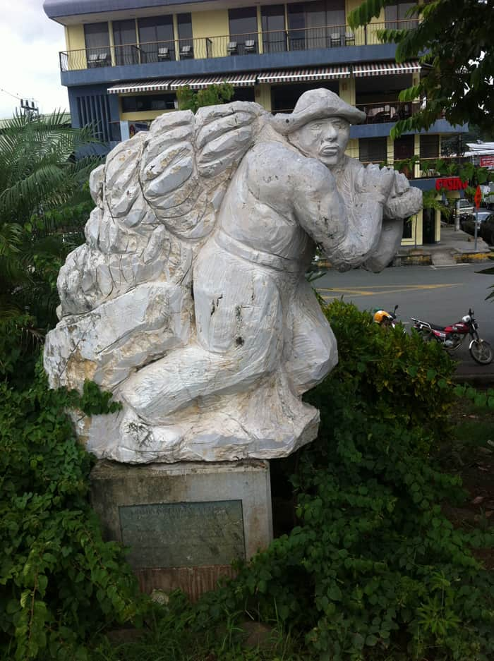 A sculpture in Quepos alludes to the city's days as a banana town.
