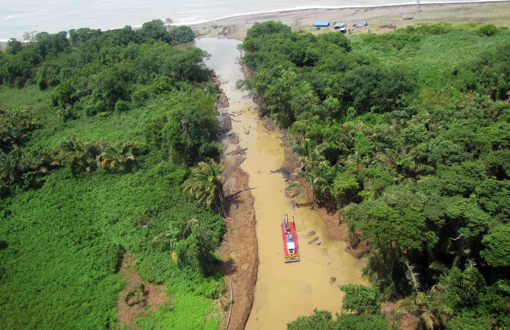 Illegal dredging in Costa Rica by Nicaraguan army
