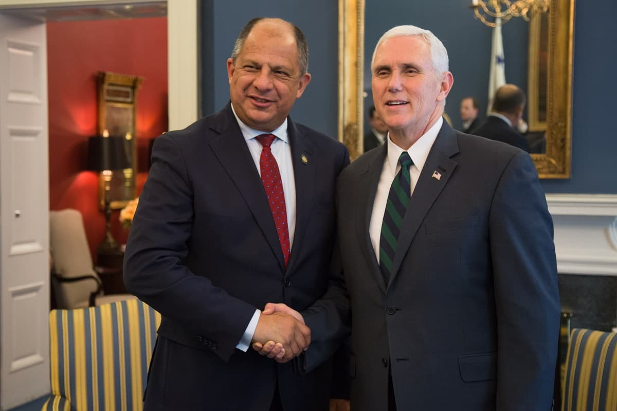 President Luis Guillermo Solís with U.S. Vice President Mike Pence.