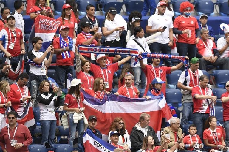 Costa Rican soccer fans